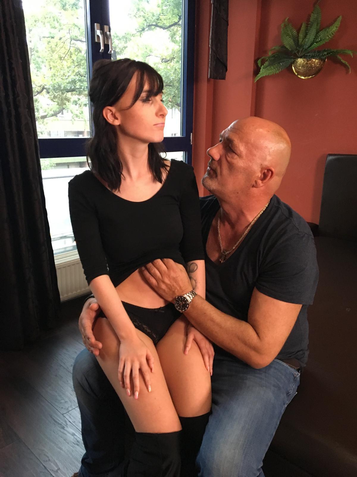 Lia Louise und alter Sack Porno