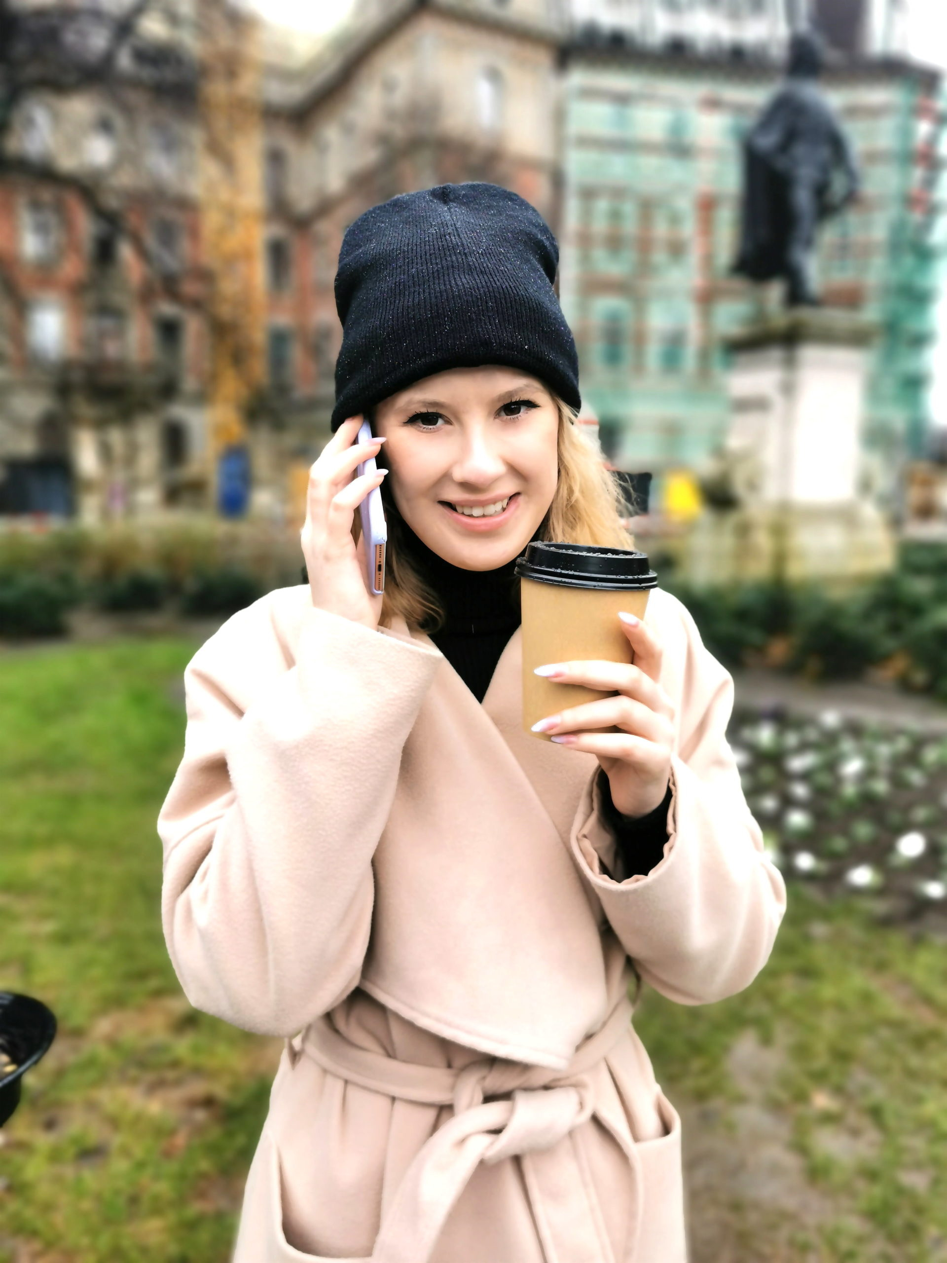 GERMAN SCOUT - 26 Jahre junge Frankfurterin aufgerissen und für Taschengeld vor der Kamera gefickt